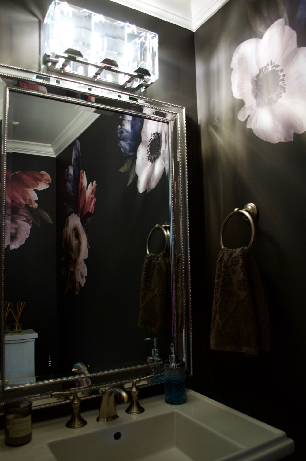 Small Powder Room Idea Glam Moody and Floral3